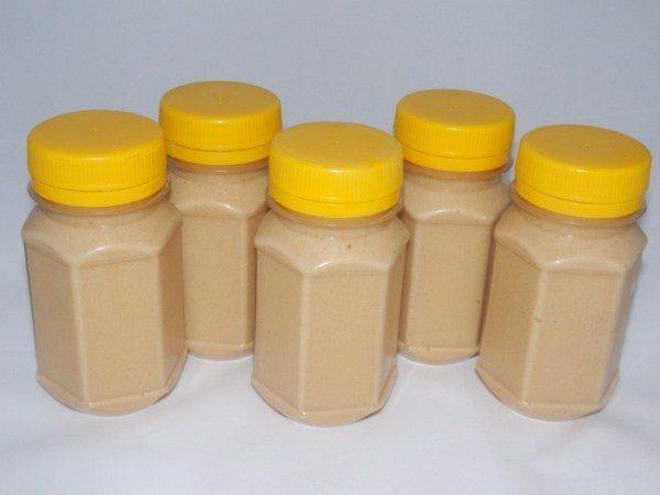 Фасованный аккураевый мёд в банках