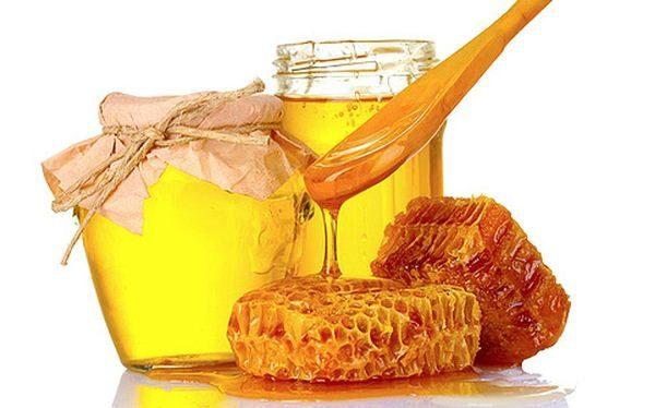 Мёд в стеклянных банках и соты