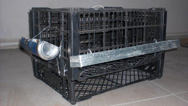 Готовая клетка для перепелов из пластиковых ящиков