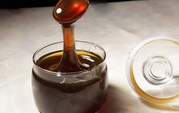 Если мед в чае темнеет