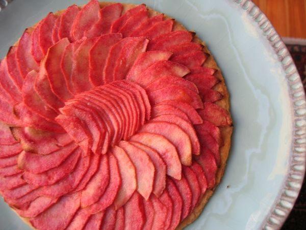 """Нарезка из яблок сорта """"Розовый жемчуг"""""""