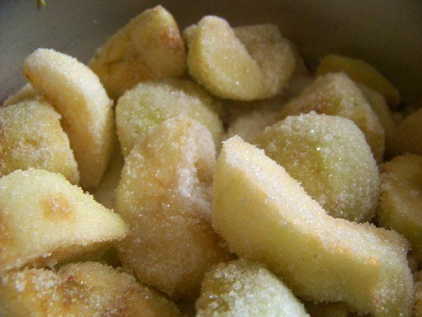 Яблоки в сахаре для заморозки