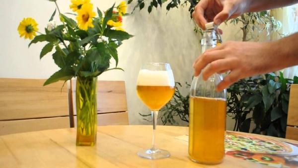 Приготовление безалкогольного яблочного сидра обходится без процесса брожения