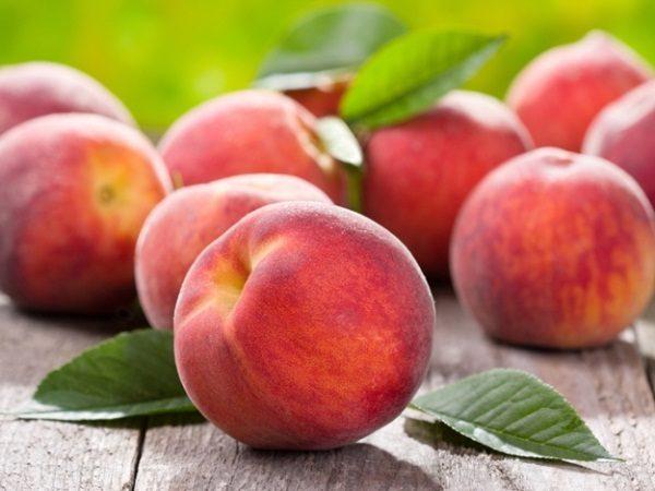 Персики являются превосходным источником витамина K и железа, которые помогают поддержанию здоровья сердца