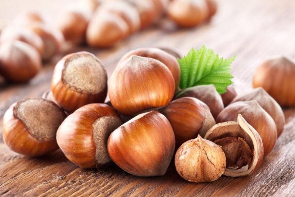 Цельные орехи фундука