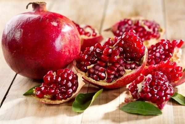 Гранат является низкокалорийной ягодой