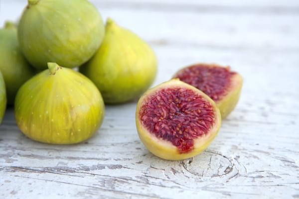 Инжир и его полезные и лечебные свойства, состав и калорийность, области применения