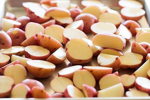 Клубни картофеля Любава в разрезе