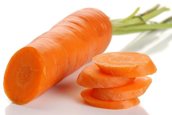 Употребление в пищу моркови показано при наличии многих заболеваний