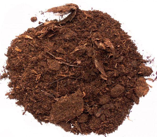 Глинистые и песчаные почвы разбавляют торфом