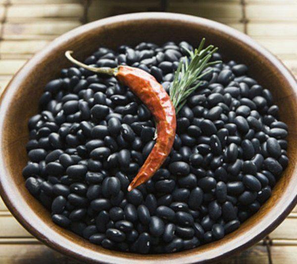 Черная фасоль способствует выработке в кишечнике масляной кислоты