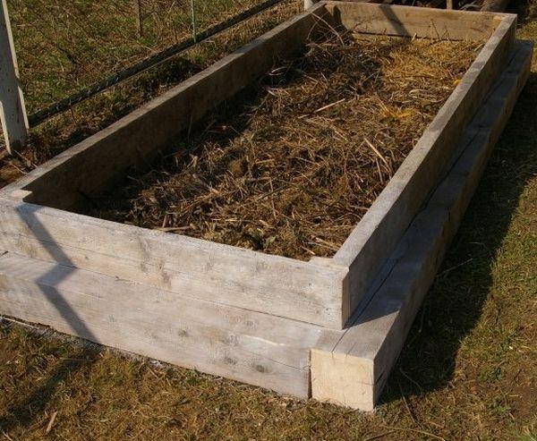 Возможно изготовление мобильного варианта в виде деревянного короба