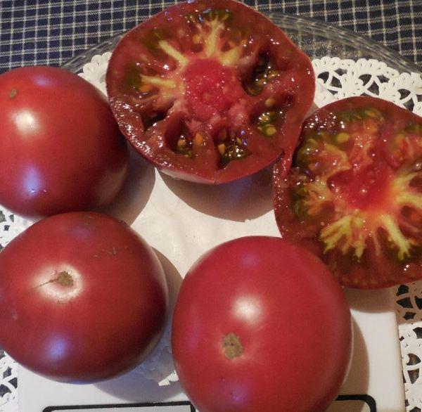 Средний вес плодов Микадо - 400-600 грамм