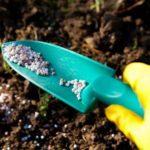 Гранулированный суперфосфат для добавления в почву