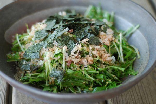 Салат с японской капустой помогает справиться с ожирением