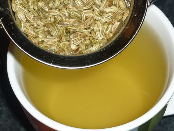 Настойка из семян помогает при боли в желудке