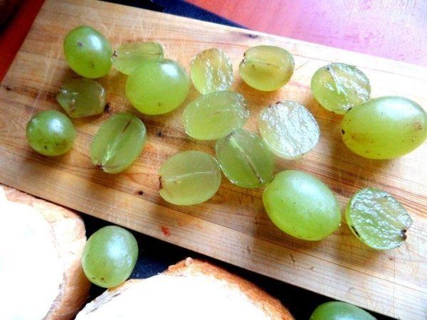 Виноград без косточек кишмиш