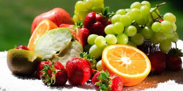 При диете виноград полезен и в салатах