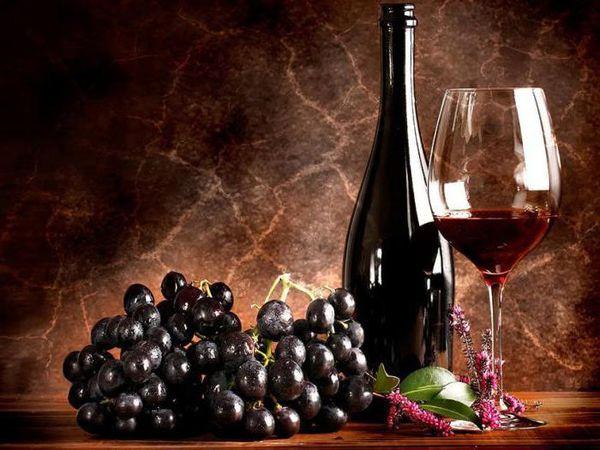 Саперави - сорт винограда, выращиваемый для производства красного вина