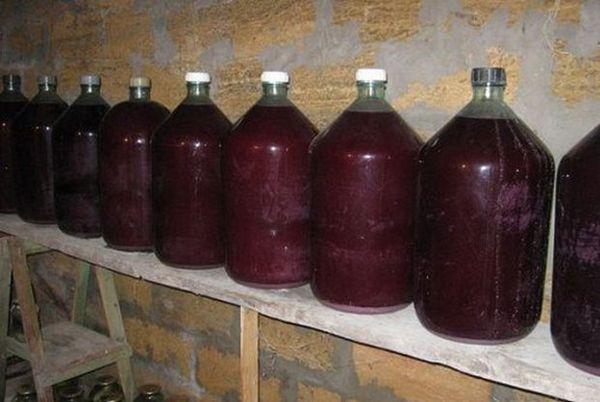 Самый лучшие способ очистки вина - длительная выдержка