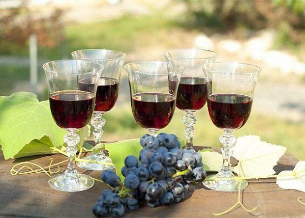 Чаще всего Изабеллу используют для производства вина и чачи