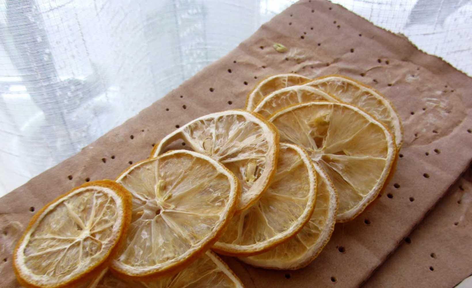 Сушка лимона на батарее