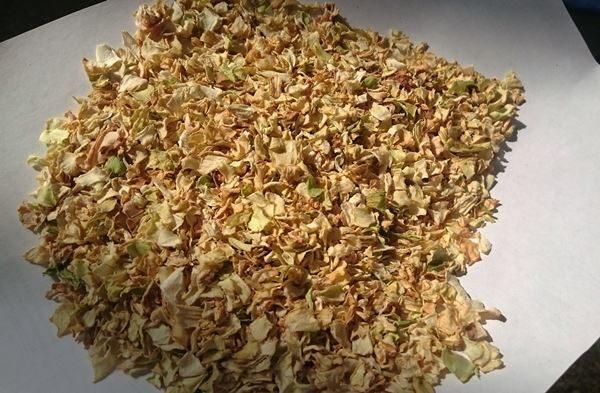 Хранить сушеную капусту лучше всего в стеклянной таре или хб мешочках